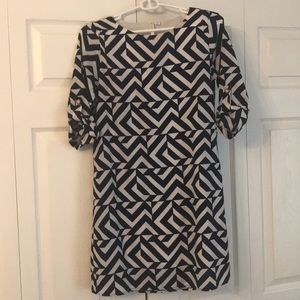 Geometric Retro-Chic Navy/White Shift Dress